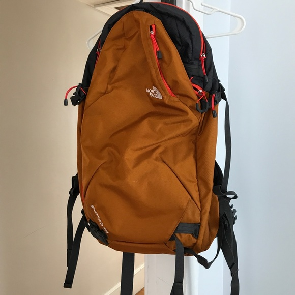 cee184699 North face backpack